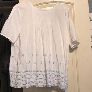 GAP white babydoll style shirt